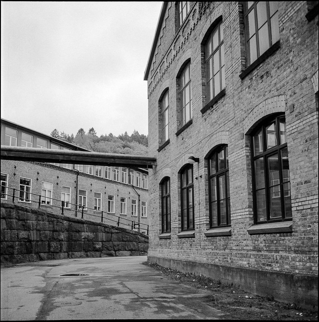 150606 Jonsereds Fabriker, Rolleiflex T, Rollei RPX 400@400 Gulfilter